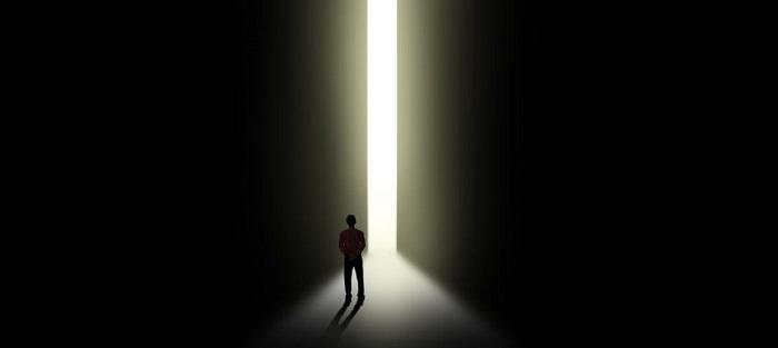המאבק בין האור והחושך