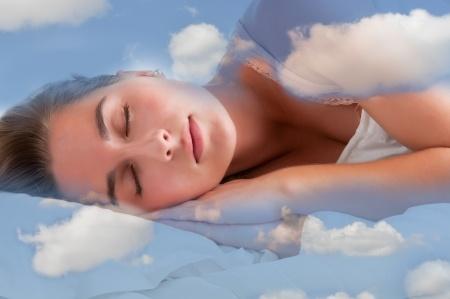 כדי ששנת היום תהיה יעילה, עלינו להגביל אותה לפרק זמן שלא יעלה על 40-45 דקות שינה (מחצית מחזור שינה של לילה). אם נישן פרק זמן העולה על 45 דקות הגוף עלול להיכנס למחזור שינה מלא, מה שיכול להפריע למחזוריות השינה שלנו...